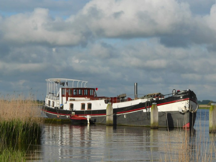 De Arma op het Lauwersmeer